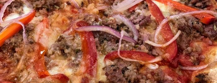 Pizzeria Delfina is one of Posti che sono piaciuti a Sri.