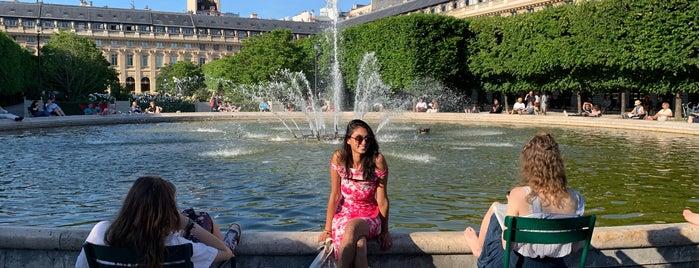 Jardin du Palais Royal is one of 72 Hours in Paris.