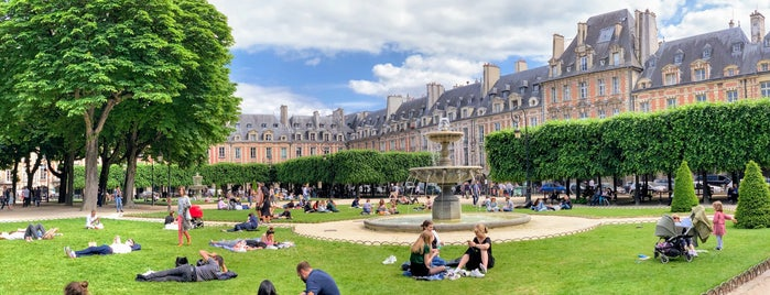 Place des Vosges is one of 72 Hours in Paris.