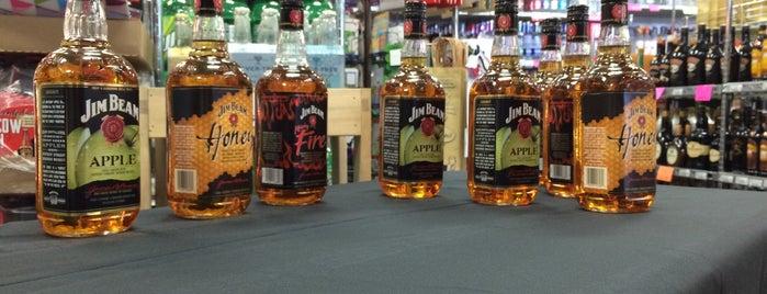 East Bend Liquor is one of Orte, die EKECO ORGANIC TEQUILA gefallen.