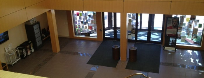Languages & Communication Building is one of สถานที่ที่ Peter ถูกใจ.