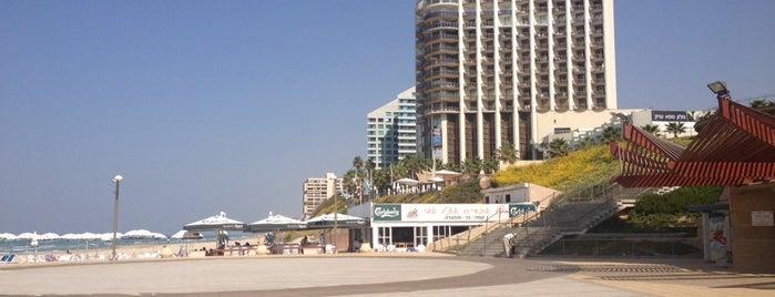 Herzliya Beach is one of Posti che sono piaciuti a Franck.