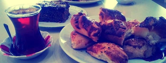 Ekmekçi Pasta Cafe is one of Halil'in Beğendiği Mekanlar.