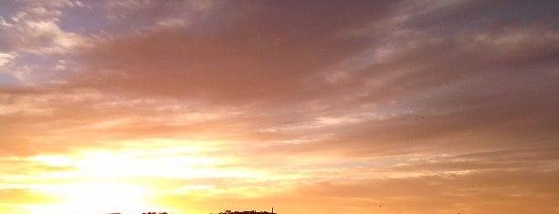 Lake Burley Griffin is one of Posti che sono piaciuti a Andrii.