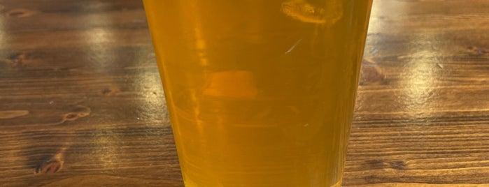 AleSmith Brewing Company is one of Lugares favoritos de James.