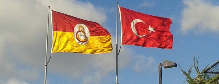 Galatasaray Kalamış Tesisleri is one of Tekrar tekrar gidilecek mekanlar.