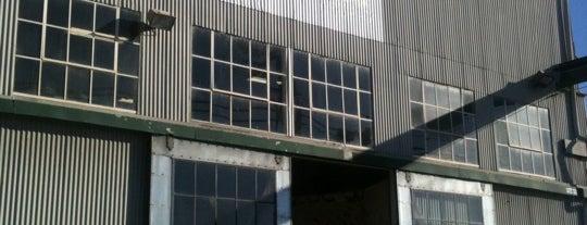Berkeley Ironworks Climbing & Fitness Club is one of สถานที่ที่ Silvie ถูกใจ.
