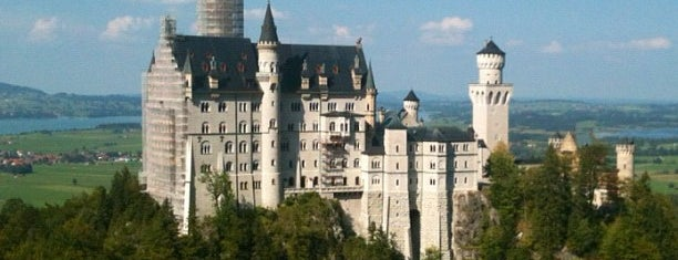 Château Neuschwanstein is one of Sightseeing spots and historic sites.