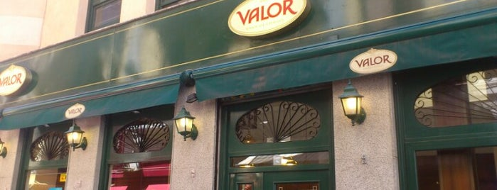 Chocolatería Valor is one of Madrid Kafe.