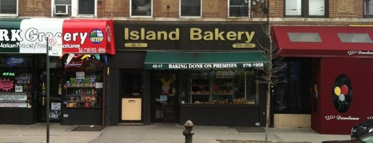Island Bakery is one of Stephanieさんの保存済みスポット.