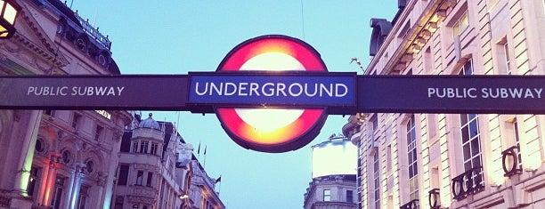 피카딜리서커스 is one of Londra.