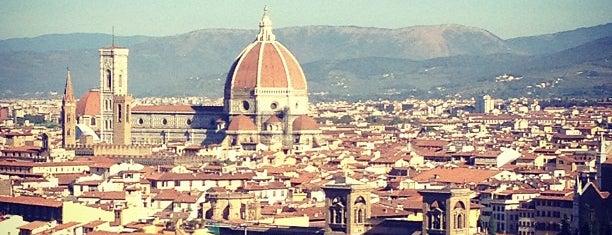 Piazzale Michelangelo is one of Florença.