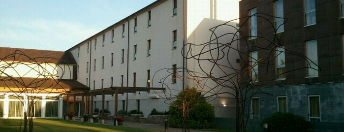 AC Palacio del Carmen, Autograph Collection® is one of Hoteles en España.