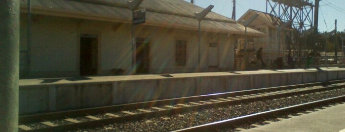 Estación Buin is one of Estaciones Metrotrén y Expreso Maule.