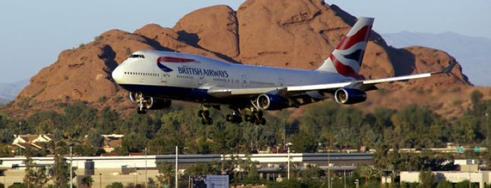 Phoenix Sky Harbor International Airport (PHX) is one of Gespeicherte Orte von Kyle.