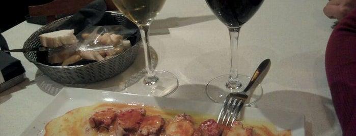 La Azotea is one of Comer de tapas por Sevilla - Best tapas in Seville.