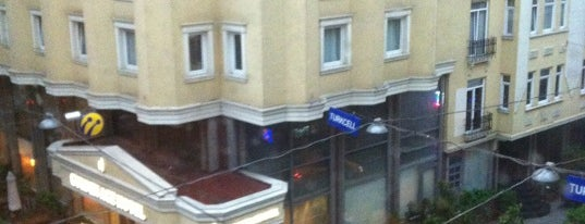 Grand Öztanık Hotel is one of İstanbul Etiket Bonus Mekanları #1 💱💲💵🍀.
