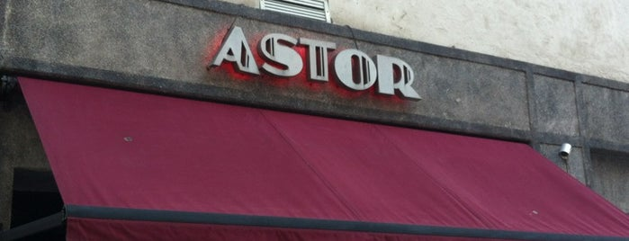 Bar Astor is one of Tempat yang Disukai Viviane.