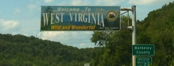 Maryland / West Virginia State Border is one of Andy'ın Beğendiği Mekanlar.