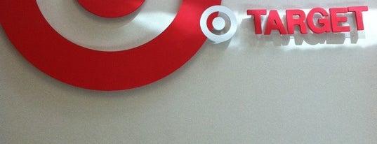 Target is one of สถานที่ที่ John ถูกใจ.