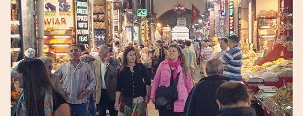 Bazar aux épices is one of Istanbul - En Fazla Check-in Yapılan Yerler-.
