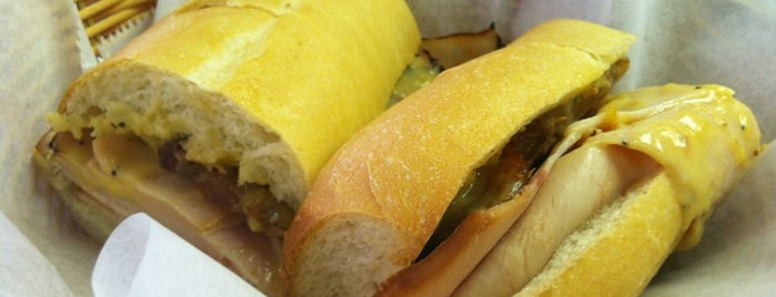Rae's Gourmet Catering & Sandwich Shoppe is one of Cash Only.