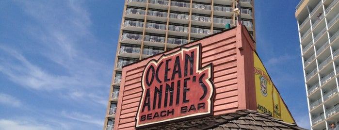 Ocean Annie's Beach Bar is one of Bars I frequent.