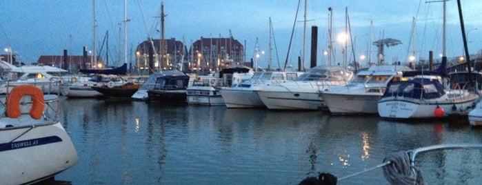 Jachthaven is one of Tempat yang Disukai Vera.