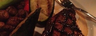 The Keg Steakhouse + Bar is one of Locais curtidos por Alejandro.