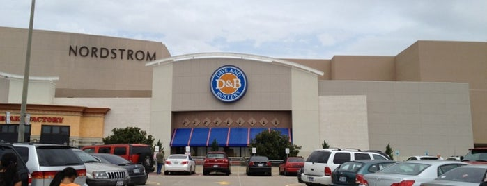 Dave & Buster's is one of * Gr8 Museums, Entertainment & Attractions—DFdub.