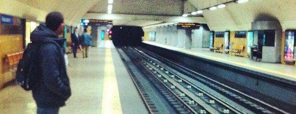 Metro Restauradores [AZ] is one of Lx museus e jardins gratis.