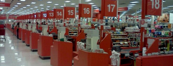 Target is one of Lugares favoritos de Fernanda.