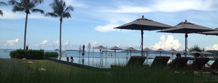 Hansar Samui Resort & Spa is one of สถานที่ที่ Riann ถูกใจ.