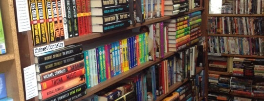 Bookie's - New & Used Books is one of Lugares guardados de Nikkia J.