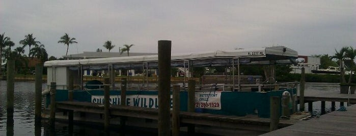 Finz Waterfront Grille is one of สถานที่ที่บันทึกไว้ของ G.