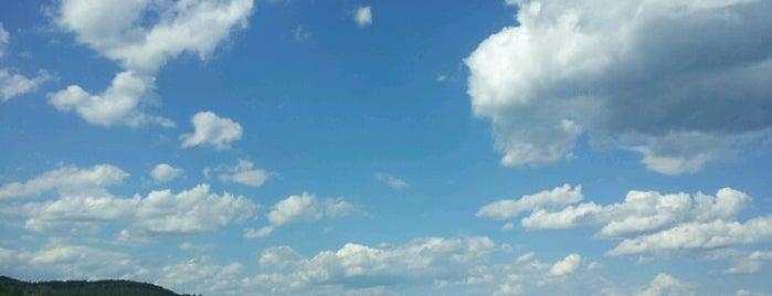 Brant Lake is one of Nicholas 님이 좋아한 장소.