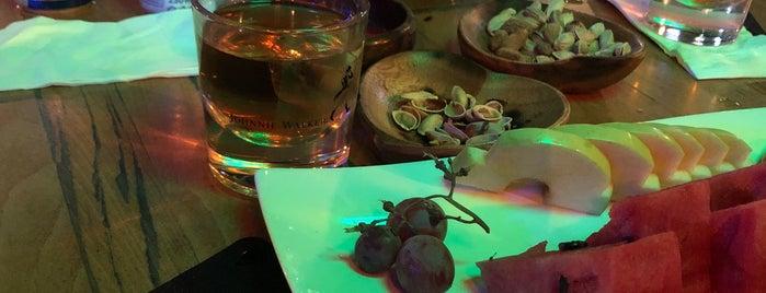 Shakespiare Pub is one of Locais curtidos por M Ender Kaya.