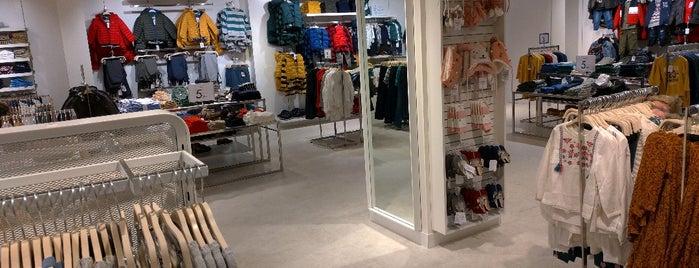 Sfera is one of Tiendas de moda en Madrid.
