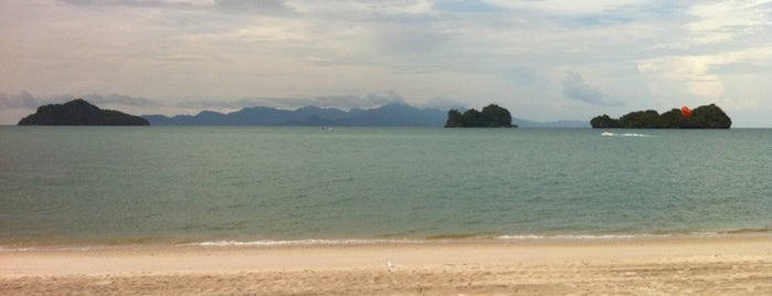 Pantai Tanjung Rhu is one of Attraction Places to Visit.