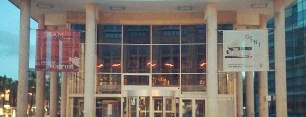 Openbare Bibliotheek Zuid is one of Gordon 님이 좋아한 장소.