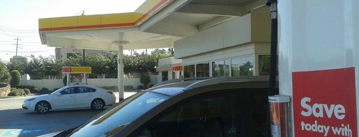 Shell is one of Locais curtidos por Juanma.