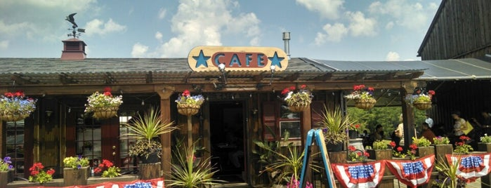 Crystal Lake Café is one of Restos 3.