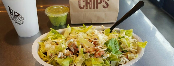 Chipotle Mexican Grill is one of Tempat yang Disukai Randee.