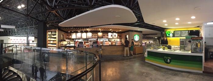 Starbucks is one of Posti che sono piaciuti a Lucy.