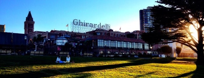 Ghirardelli Square is one of Traveliveryさんのお気に入りスポット.