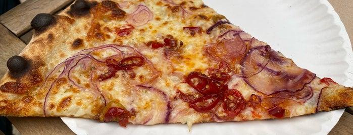 F&F Pizzeria is one of Gespeicherte Orte von Michelle.