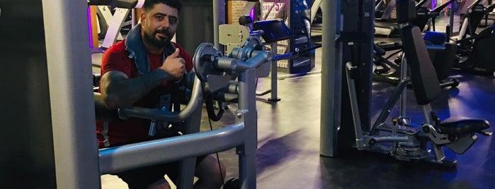 Esjim | Gymfit Deluxe Wellness & Spa is one of Es Es.