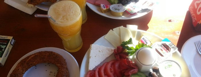 Harika Simit is one of Posti che sono piaciuti a Murat.