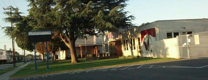 Burbank elementary school is one of Lieux qui ont plu à Christina.