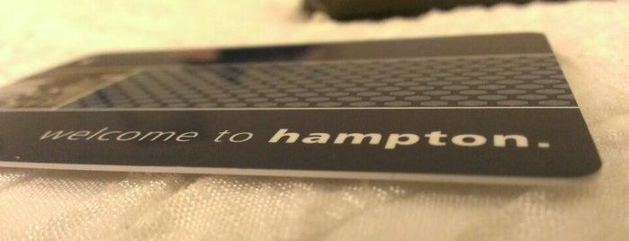 Hampton Inn by Hilton is one of Orte, die NZingha gefallen.